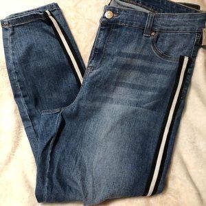 Celebrity Pink midrise skinny jeans